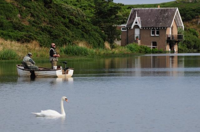 Lochside & anglers